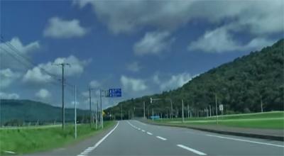 北海道の街をドライブ